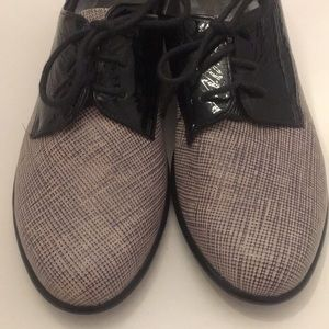 Naot Oxford Style Two Toned Shoes Size 37